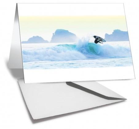 Grußkarte MOMENTUM Wellensurfer in der perfekten Welle am perfekten Tag