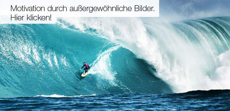 Leistung steigern mit Motivationsposter und Motivations-Bildern von Impulse Bildmotiv Wellensurfer in riesiger Welle